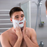 Die richtige Pflege vor, während und nach der Rasur
